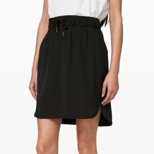 Lululemon On The Fly Skirt in Black Size 2